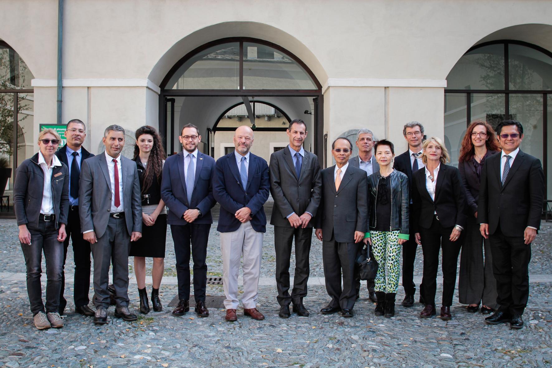 Ufficio Di Rappresentanza In Italia Dipendenti : Una delegazione valdostana ha incontrato il capo dellufficio di